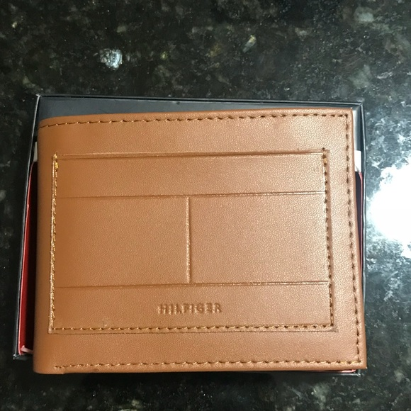 new lifestyle official supplier separation shoes Tommy Hilfiger leather wallet with RFID protection NWT